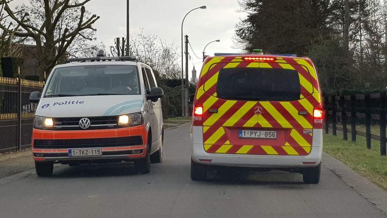 Politie en brandweer op zoek naar een brand in de Kasteeldreef. Zonder succes.