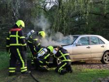 Auto vat vlam bij Ven-Zelderheide