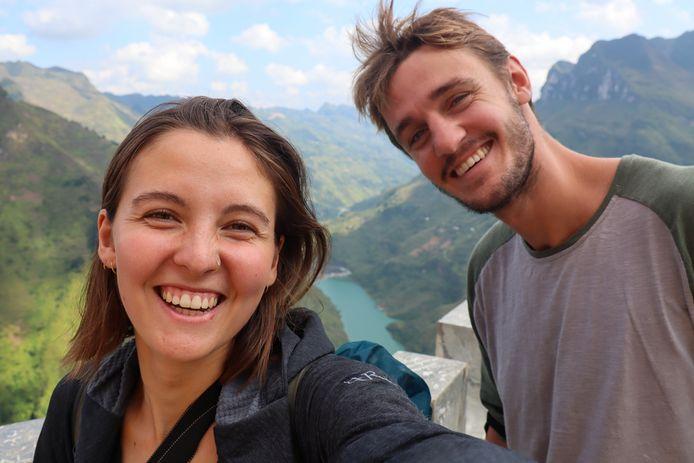 Julot Westermeijer en haar vriend Lode Draaijer tijdens hun wereldreis door Azië en Oceanië