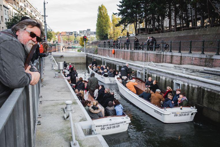 De Scaldissluis wordt voor dit weekend voor het eerst gebruikt door de toeristenbootjes