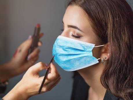Comment se maquiller avec un masque: les conseils d'une make-up artist