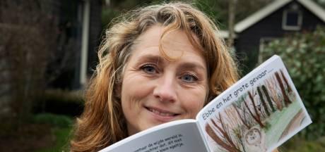 Jolanda bindt strijd aan met zwerfafval: 'Niet de bedoeling dat wij jarenlang andermans vuil opruimen'