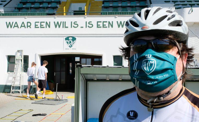 Racing Cycling Club Mechelen (RCCM) helpt bij de verdeling van de mondmaskers.