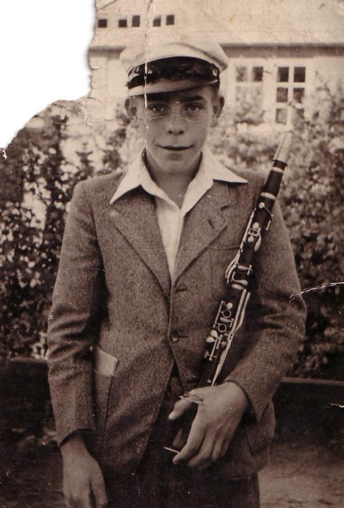 Gerrit Meenhuijs in zijn jeugdjaren in Reutum.