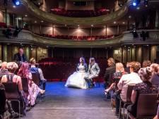 Zwolse Nachtburgemeester trouwt zijn Lina op podium van Theater Odeon