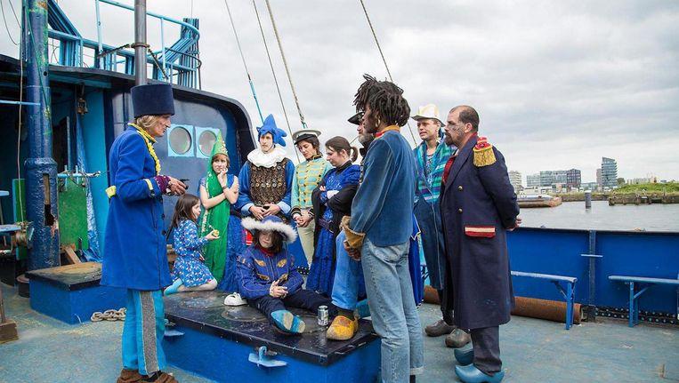 De inkomsten van het festival worden gebruikt voor de financiering van de langgekoesterde droom van de kapitein en bemanning van het schip. Beeld Azart Ship of Fools