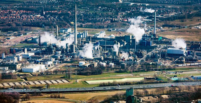 Industrieterrein Chemelot. Beeld Raymond Rutting / de Volkskrant
