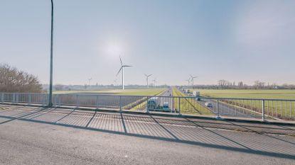 """Veel volk op infomarkt over mogelijke komst windturbines: """"Groene energie is nodig, maar of het wel mooi is?"""""""