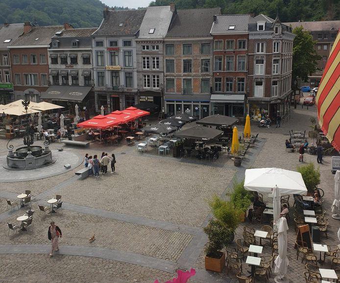 Terrasses agrandies pour les restaurants et cafés de la Grand-Place de Huy.