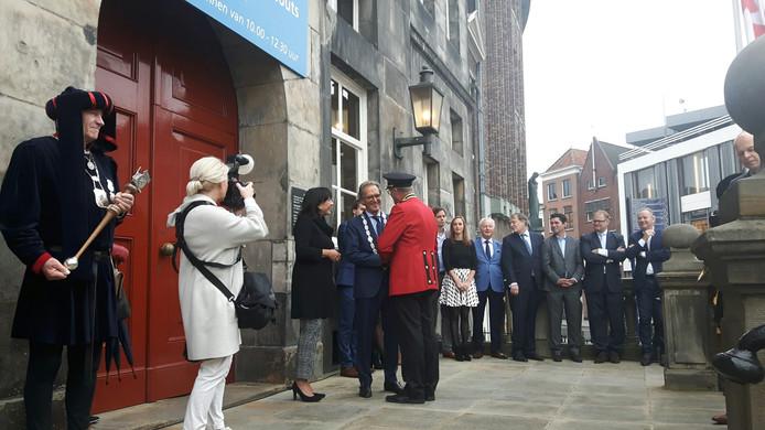 Voorzitter Harrij van der Krabben van de Koninklijke Harmonie 's-Hertogenbosch neemt afscheid.