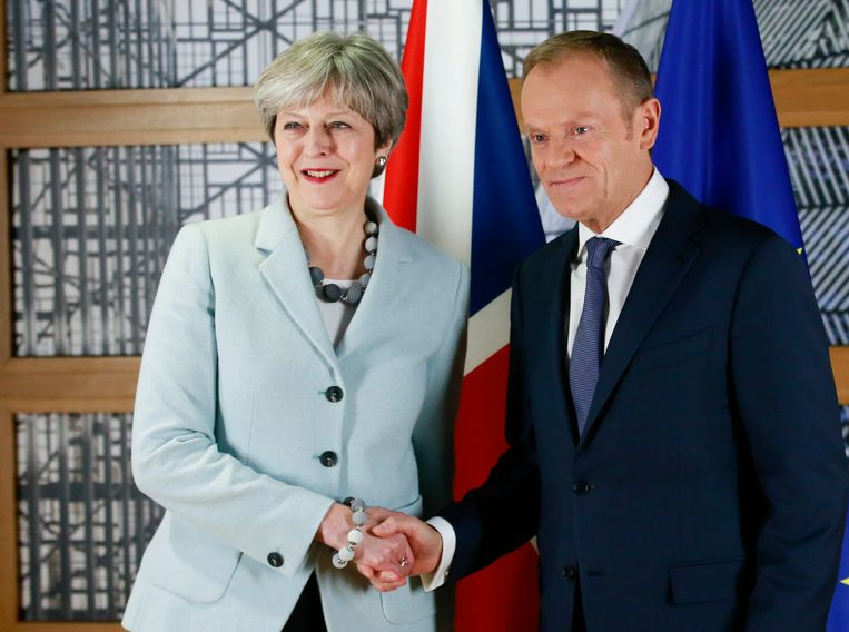 De Britse premier Theresa May en voorzitter van de Europese Raad Donald Tusk.