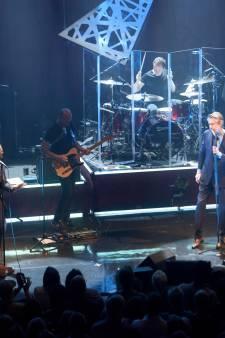 Zanger Bryan Ferry verandert Muziekgebouw Eindhoven in decadente nachtclub