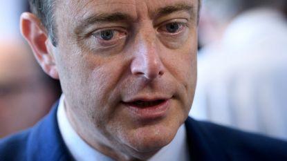 """De Wever: """"Voetbal is volkssport bij uitstek, daar hangen kosten aan vast"""""""