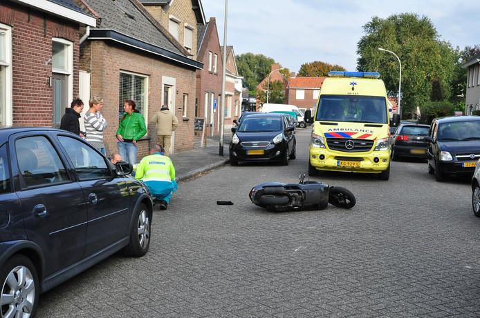 De botsing gebeurde op de Eerste Zeine in Waalwijk.