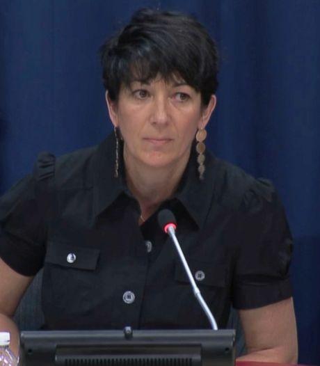 Aanklagers: vluchtgevaarlijke assistent Epstein moet vast blijven zitten
