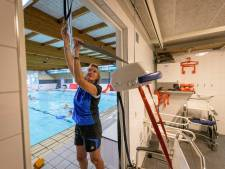 Rolstoelgebruikers kunnen maanden niet zwemmen in Tubbergen: 'Erg frustrerend'