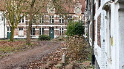 Brusselsestraat afgesloten voor aanvoer materiaal werken begijnhof