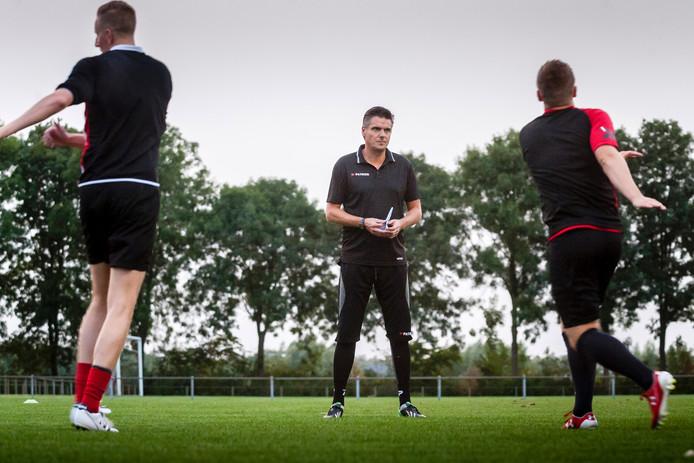 Martijn van Galen op het trainingsveld bij Klundert.