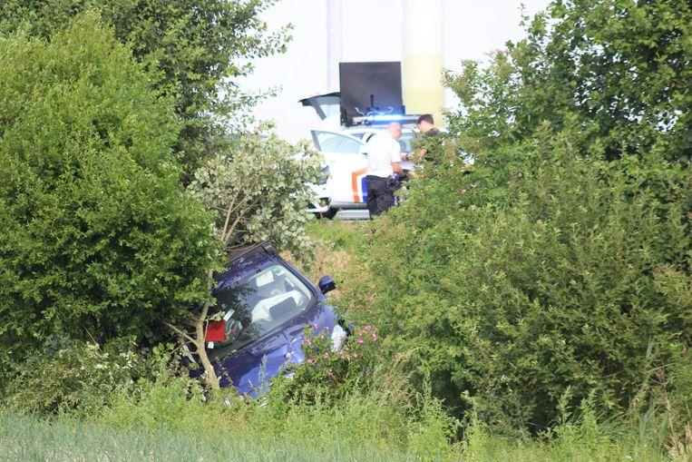 Een van de twee voertuigen belandde in de gracht. Er vielen geen gewonden.