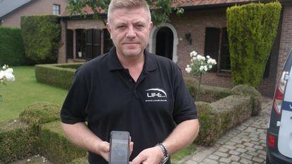 """Nicolas werd voor 7.500 euro opgelicht bij verkoop Mercedes: """"Ineens ontbrak de helft van het geld"""""""