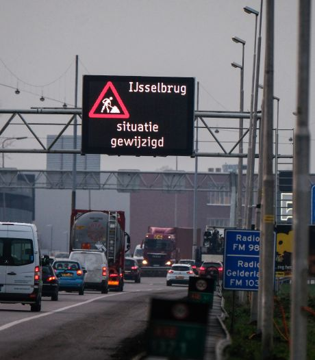 A12 bij Zevenaar stijgt met stip naar plek 2 van verkeersknelpunten: 'Zelfs in coronatijd files'