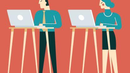 Wat doe je het best voor je rug: al zittend of al staand werken?