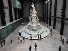 Kleuter kan 'niet meer praten en bewegen' nadat schizofreen (18) hem van dak Tate-museum gooide