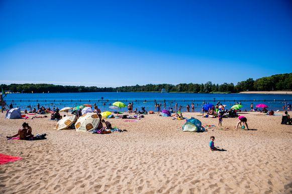 De strandzone in het domein Sport Vlaanderen in Hofstade is tot en met zondag uitverkocht.