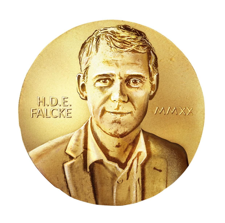 Astronoom Heino Falcke (Radboud Universiteit) geldt als 'Nederlandse' kanshebber voor de Nobelprijs dit jaar. Hoewel Falcke van geboorte Duitser is, werkt hij als wetenschapper al jaren in Nederland. Beeld Fotobewerking de Volkskrant