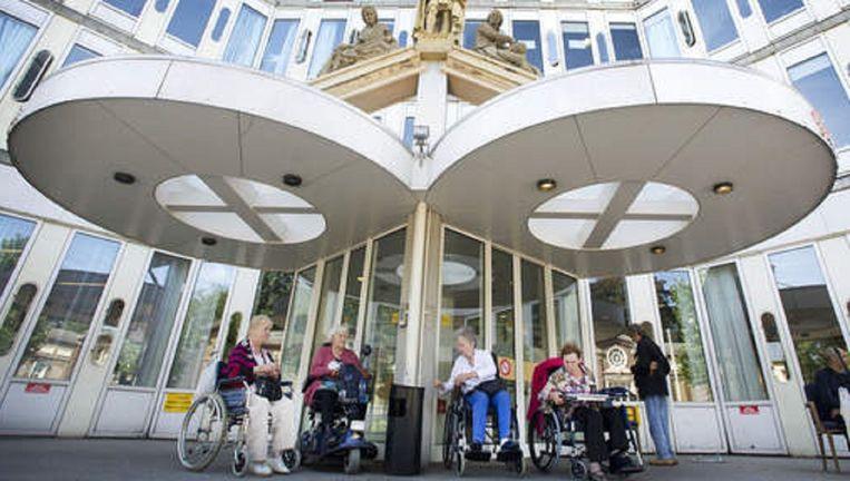 De entree van het verpleeghuis Sint Jacob, Beeld anp