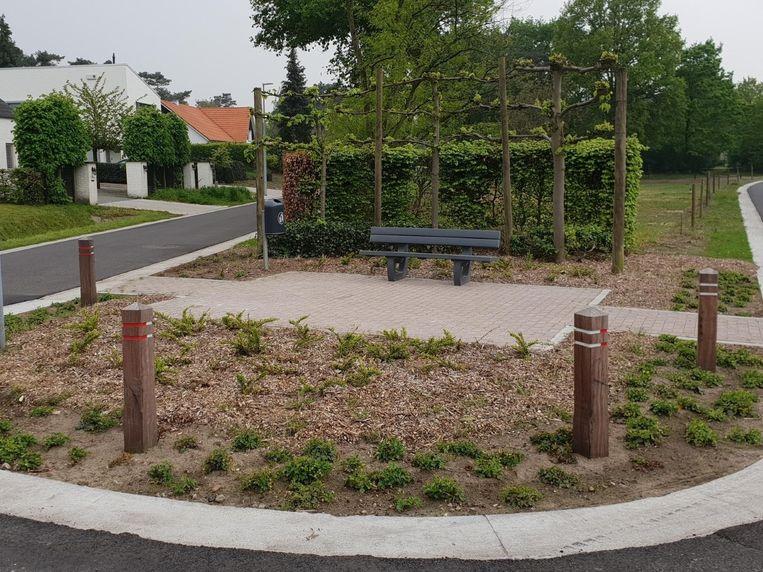Het pleintje op kruispunt Duinkerken-Geenend.