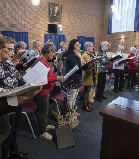 Overijssels Russisch Vrouwenkoor bestaat 10 jaar: 'Hoe wij samen zingen, is uniek in Nederland'