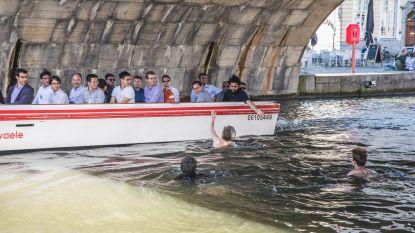 Leie-zwemmers aan Graslei nemen groot risico
