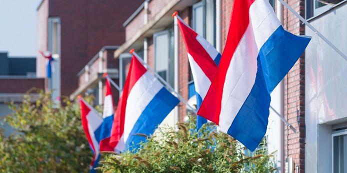 Ook in Wierden en Enter wordt opgeroepen de vlag uit te hangen.