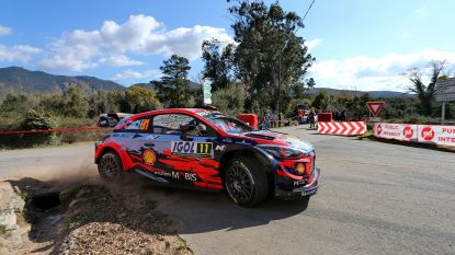 """Neuville pakt de leiding in Rally van Corsica: """"Ik kan voluit aanvallen"""""""