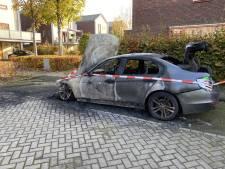 Remco uit Deventer ziet 'nieuwe' BMW volledig uitbranden: 'Ik heb geen vijanden'