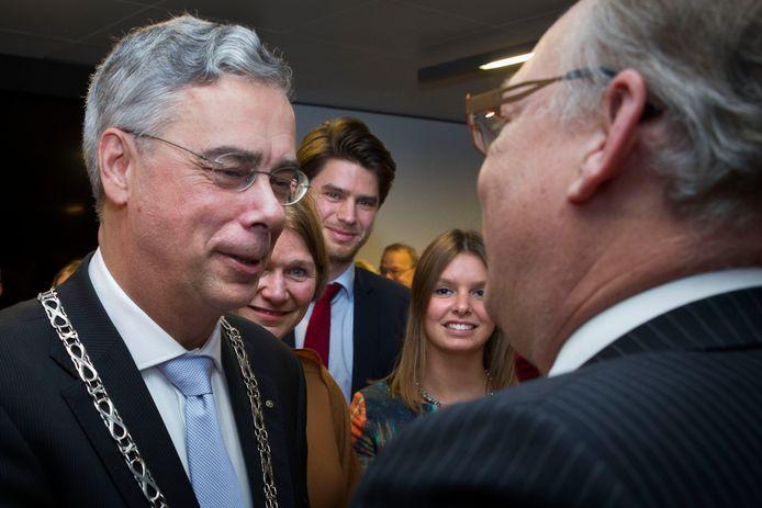 Jan Brenninkmeijer tijdens zijn installatie als burgemeester.