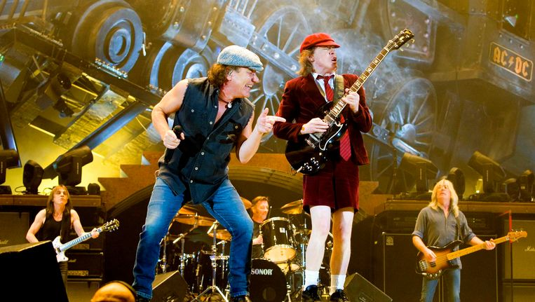 Had de Australische band AC/DC zonder het te weten een visionair moment toen ze hun naam bedachten? Beeld REUTERS