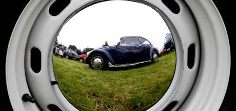 Voorkeur voor 'ouwe bak': steeds meer klassieke auto's in Nederland