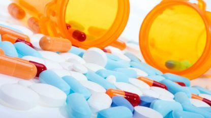 Amerikaanse ambtenaren krijgen een vliegticket en 500 dollar om medicijnen te kopen in Mexico