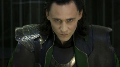 Tom Hiddleston bevestigt dat hij Loki blijft spelen in nieuwe serie voor Disney+