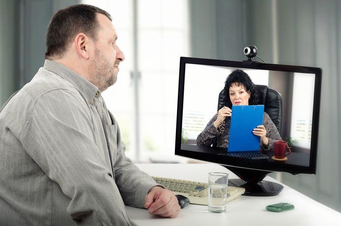 Online therapie kan een-op-een of in groepsverband.