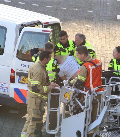 Animal Rebellion demonstreert voor en op het provinciehuis in Den Bosch, twee actievoerders opgepakt
