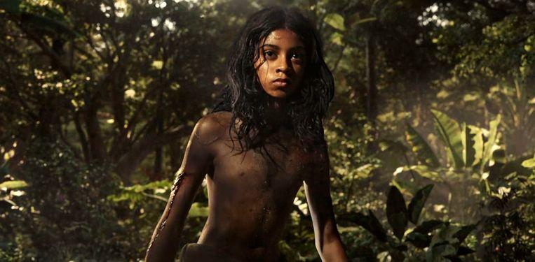 Rohan Chand als Mowgli in 'Mowgli: Legend of the Jungle'.