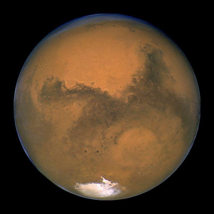 Een foto van Mars die genomen werd door de Hubble-telescoop.