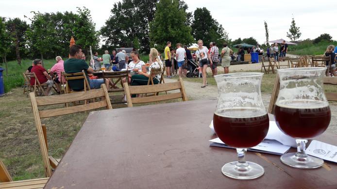 Goed toeven in het Geffense arboretum, bijvoorbeeld met een bier van de Muifelbrouwerij.