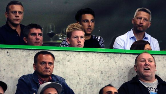 Ismail Azzaoui, hier achter Kevin De Bruyne