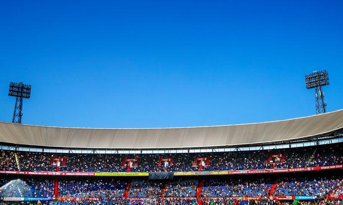 Feyenoord-FC Twente Overzicht Kuip met supporters door corona-maatregelen op anderhalve meter afstand van elkaar. Foto ; Pim Ras