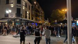 Beelden tonen hoe honderden jongeren samentroepen in Knokke-Heist: politie moet bijstand vragen van federale politie om uitgaansbuurt te ontruimen
