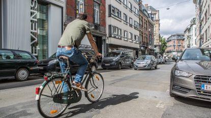 Stad geeft Henegouwenstraat likje verf